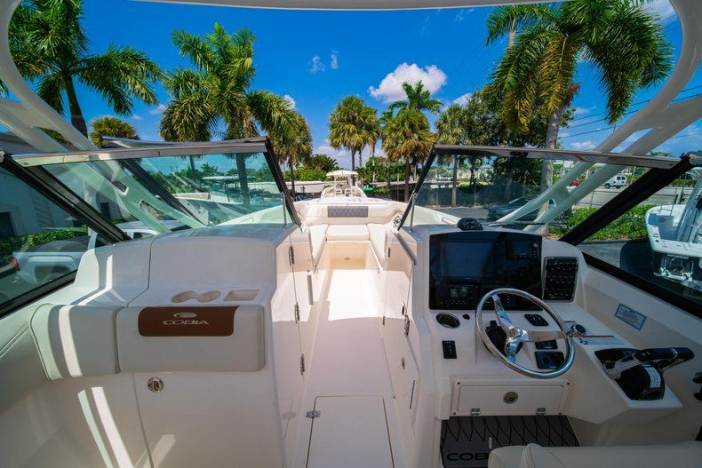 Image 37 for 2020 Cobia 280 DC Dual Console in West Palm Beach, FL