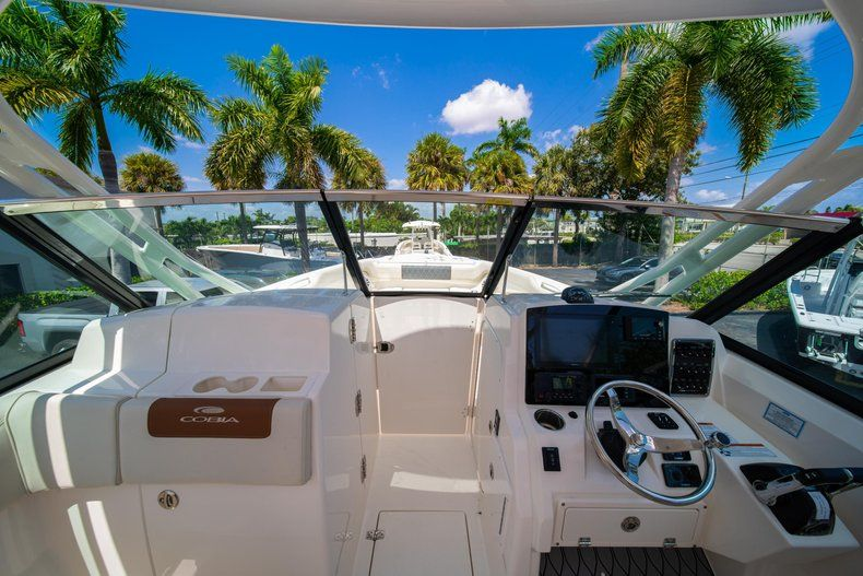 Thumbnail 38 for New 2020 Cobia 280 DC Dual Console boat for sale in Vero Beach, FL
