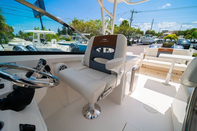 Thumbnail 31 for New 2020 Cobia 280 DC Dual Console boat for sale in Vero Beach, FL