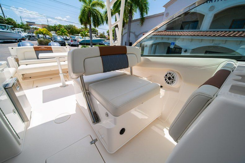 Thumbnail 33 for New 2020 Cobia 280 DC Dual Console boat for sale in Vero Beach, FL