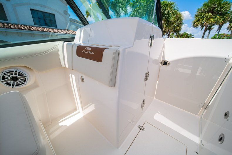 Thumbnail 34 for New 2020 Cobia 280 DC Dual Console boat for sale in Vero Beach, FL