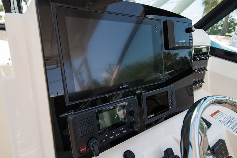 Thumbnail 28 for New 2020 Cobia 280 DC Dual Console boat for sale in Vero Beach, FL