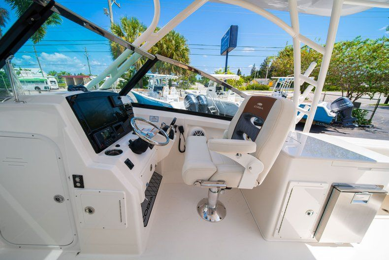 Thumbnail 30 for New 2020 Cobia 280 DC Dual Console boat for sale in Vero Beach, FL