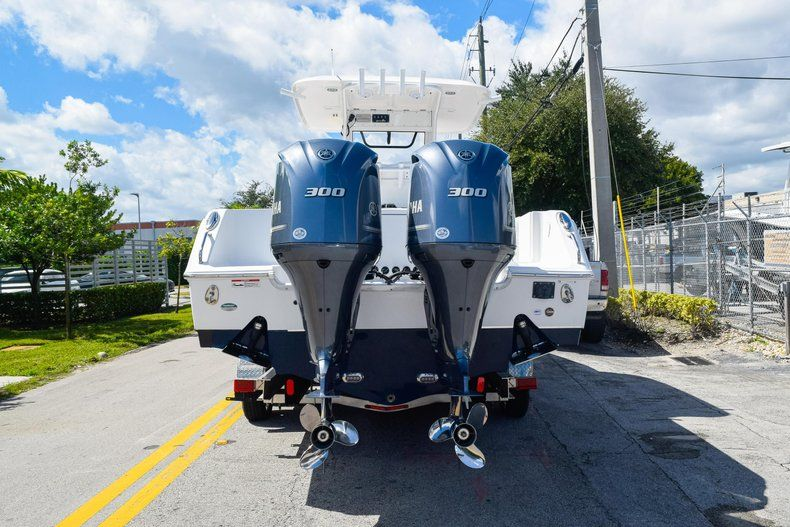 Thumbnail 5 for Used 2018 Sea Hunt 30 GAMEFISH boat for sale in Miami, FL