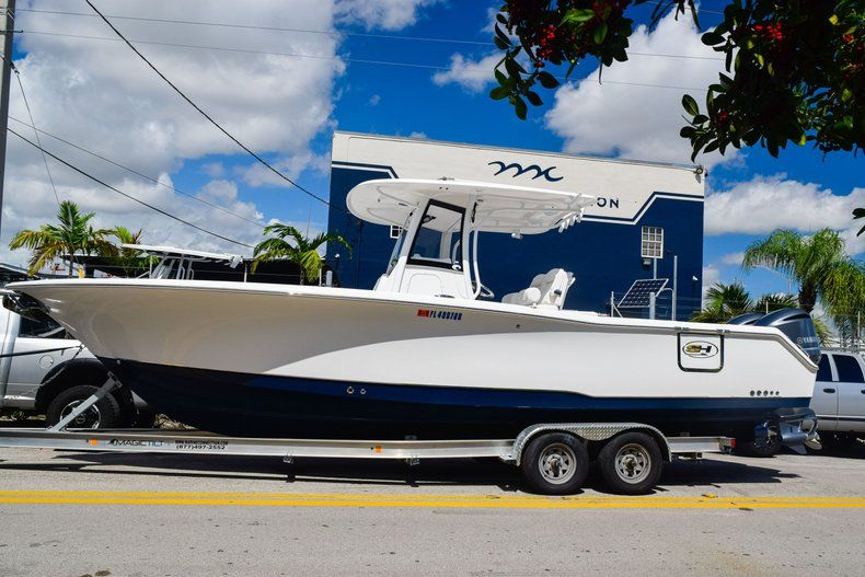 Thumbnail 3 for Used 2018 Sea Hunt 30 GAMEFISH boat for sale in Miami, FL