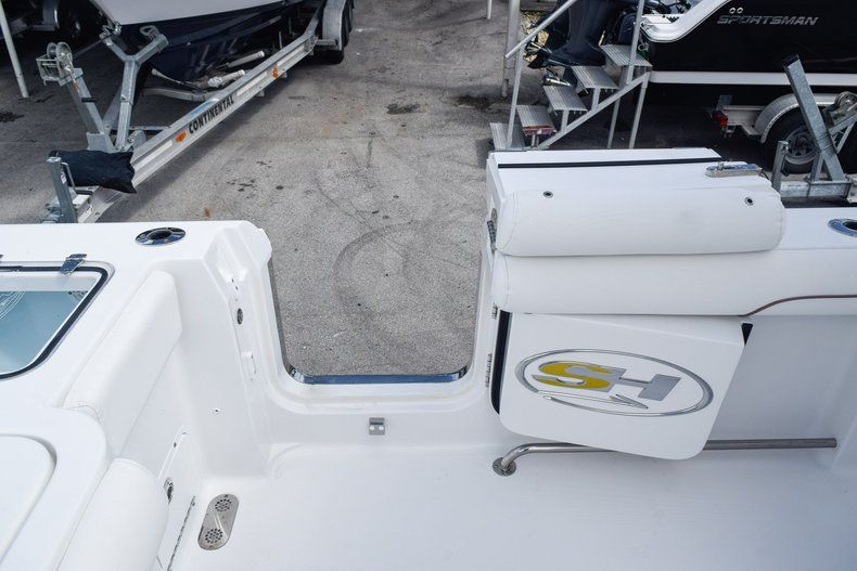 Thumbnail 18 for Used 2018 Sea Hunt 30 GAMEFISH boat for sale in Miami, FL