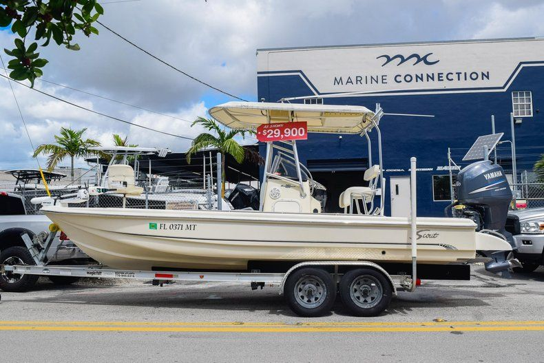 Thumbnail 4 for Used 2004 Scout 220 Bay Scout boat for sale in Miami, FL