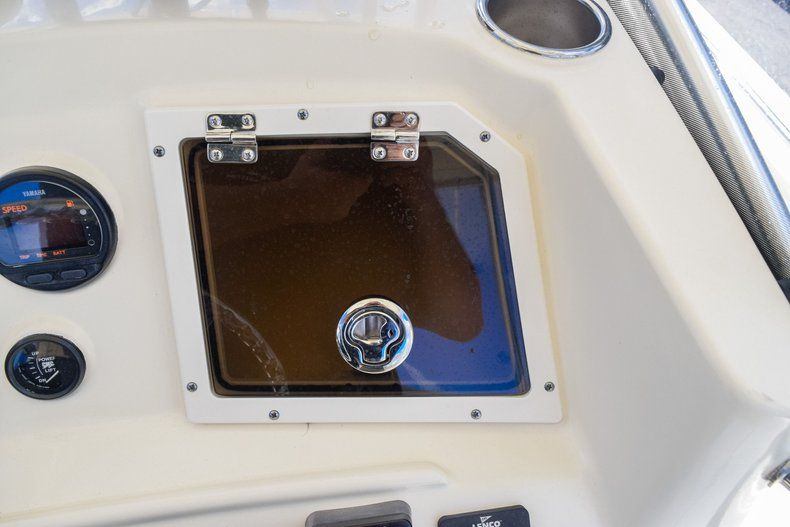 Thumbnail 26 for Used 2004 Scout 220 Bay Scout boat for sale in Miami, FL