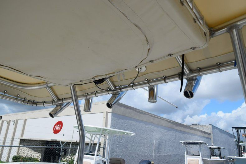 Thumbnail 44 for Used 2004 Scout 220 Bay Scout boat for sale in Miami, FL