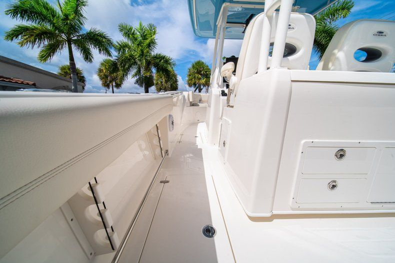 Thumbnail 21 for New 2020 Cobia 320 CC Center Console boat for sale in West Palm Beach, FL