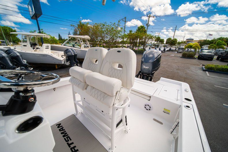 Thumbnail 28 for New 2020 Sportsman Masters 247 Bay Boat boat for sale in West Palm Beach, FL