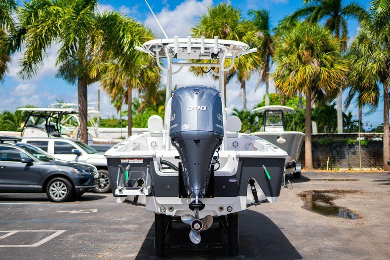 Thumbnail 6 for New 2020 Sportsman Masters 247 Bay Boat boat for sale in West Palm Beach, FL