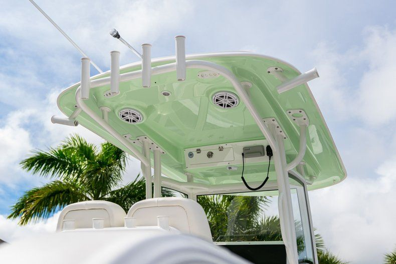 Thumbnail 8 for New 2020 Sportsman Open 252 Center Console boat for sale in Fort Lauderdale, FL