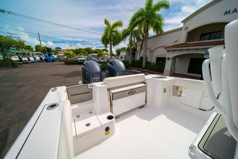 Thumbnail 9 for New 2020 Sportsman Open 252 Center Console boat for sale in Fort Lauderdale, FL