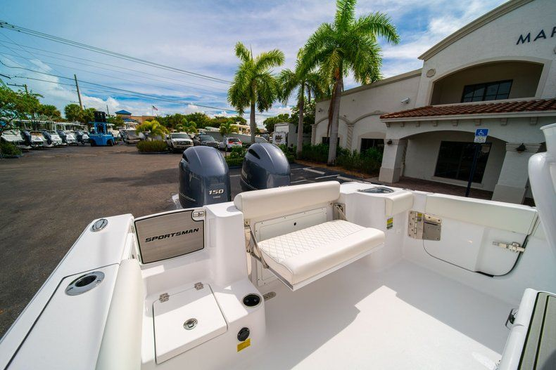 Thumbnail 10 for New 2020 Sportsman Open 252 Center Console boat for sale in Fort Lauderdale, FL