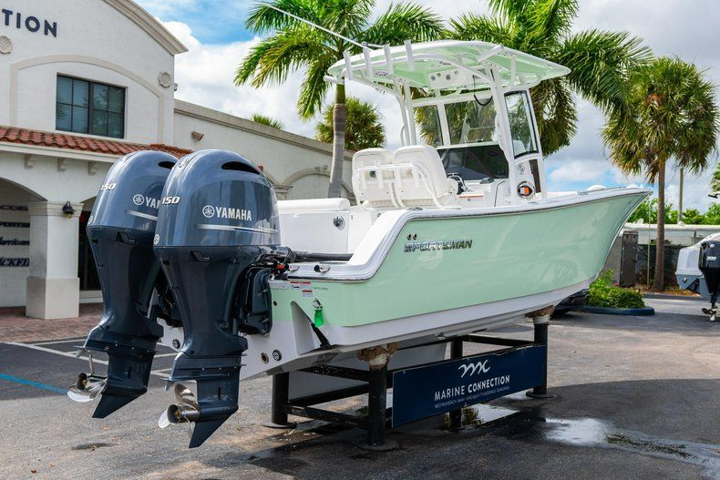 Thumbnail 6 for New 2020 Sportsman Open 252 Center Console boat for sale in Fort Lauderdale, FL
