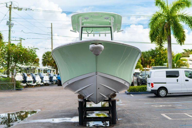 Thumbnail 2 for New 2020 Sportsman Open 252 Center Console boat for sale in Fort Lauderdale, FL