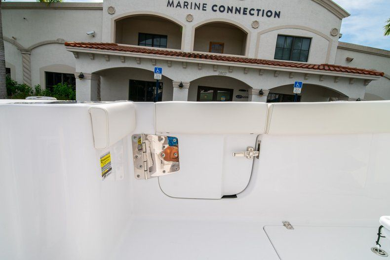 Thumbnail 19 for New 2020 Sportsman Open 252 Center Console boat for sale in Fort Lauderdale, FL