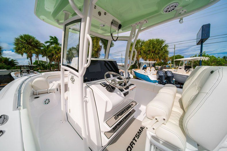 Thumbnail 29 for New 2020 Sportsman Open 252 Center Console boat for sale in Fort Lauderdale, FL