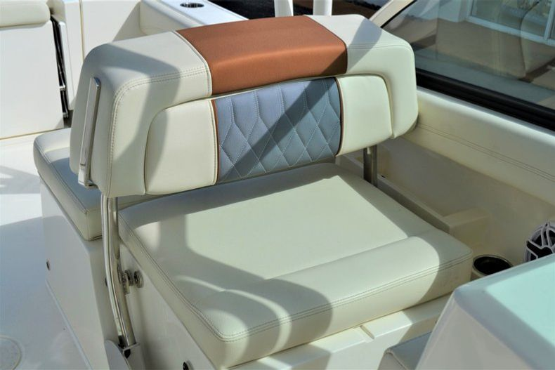 Thumbnail 17 for New 2020 Cobia 240 DC Dual Console boat for sale in Vero Beach, FL