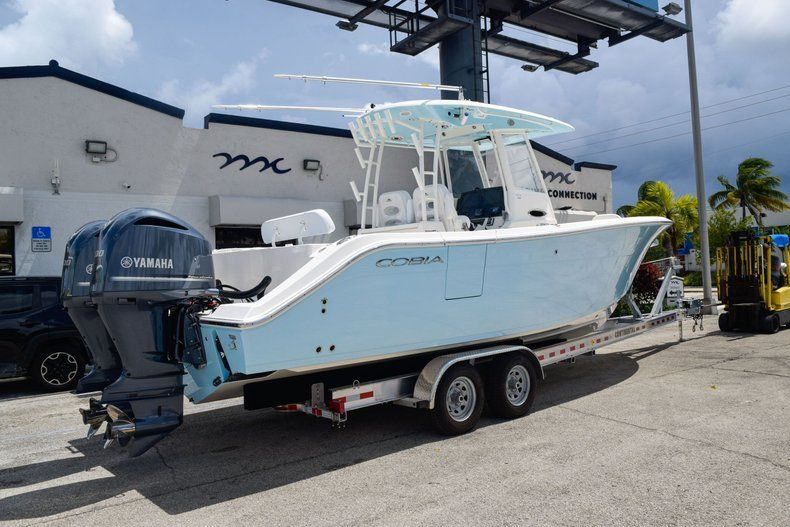 Thumbnail 8 for New 2020 Cobia 301 CC Center Console boat for sale in West Palm Beach, FL
