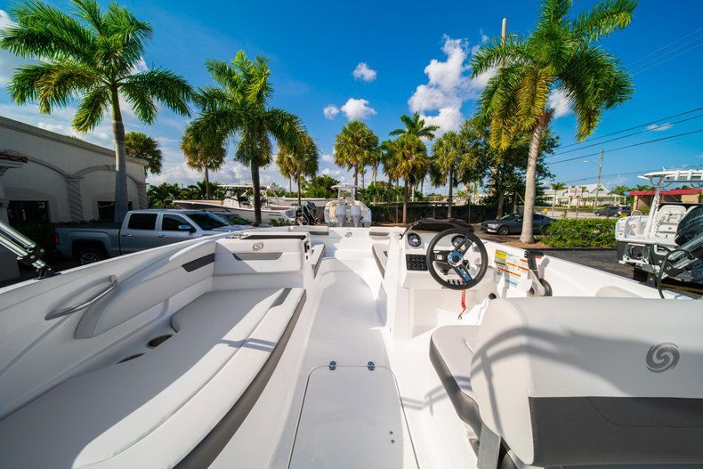 Thumbnail 8 for New 2020 Hurricane SS 185 OB boat for sale in Miami, FL