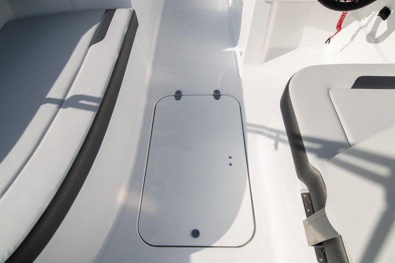 Thumbnail 19 for New 2020 Hurricane SS 185 OB boat for sale in Miami, FL