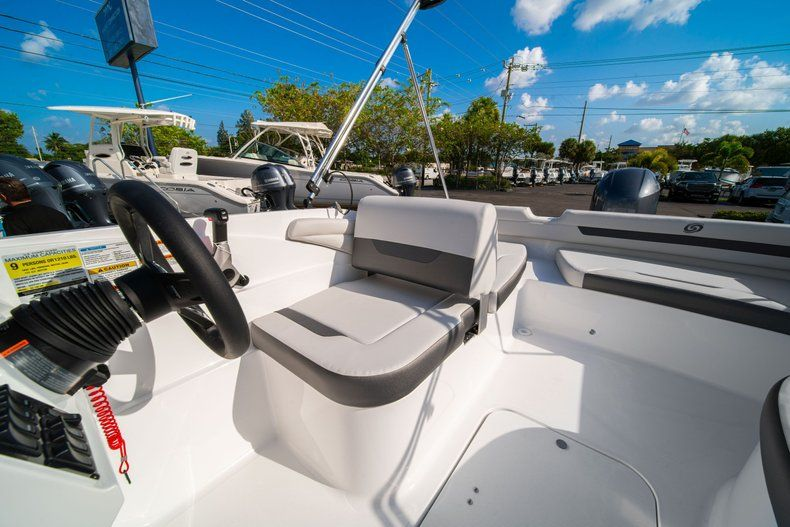 Thumbnail 16 for New 2020 Hurricane SS 185 OB boat for sale in Miami, FL