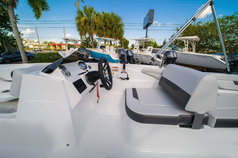 Thumbnail 18 for New 2020 Hurricane SS 185 OB boat for sale in Miami, FL