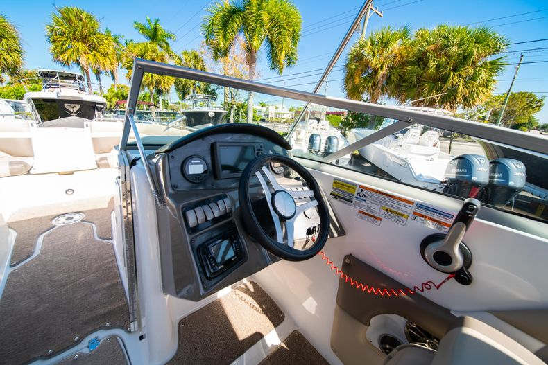 Thumbnail 18 for Used 2016 Hurricane SunDeck SD 2486 OB boat for sale in West Palm Beach, FL