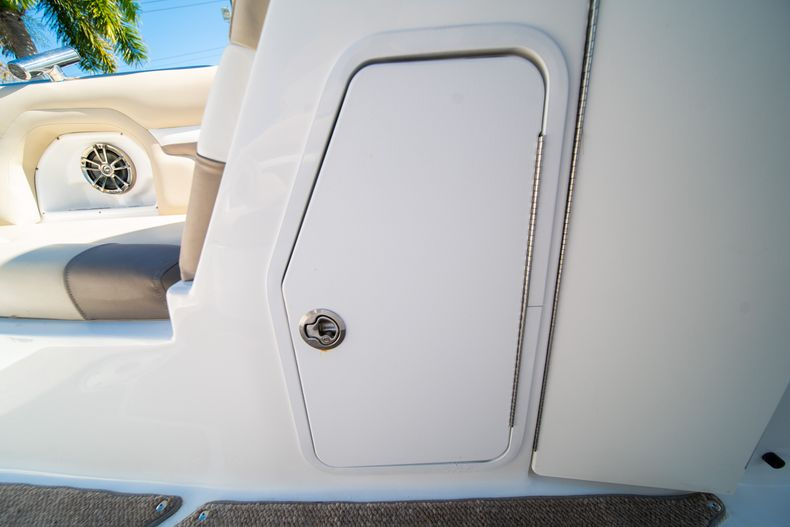 Thumbnail 36 for Used 2016 Hurricane SunDeck SD 2486 OB boat for sale in West Palm Beach, FL