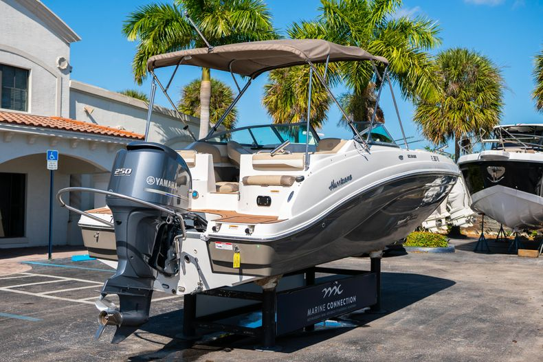 Thumbnail 7 for Used 2016 Hurricane SunDeck SD 2486 OB boat for sale in West Palm Beach, FL
