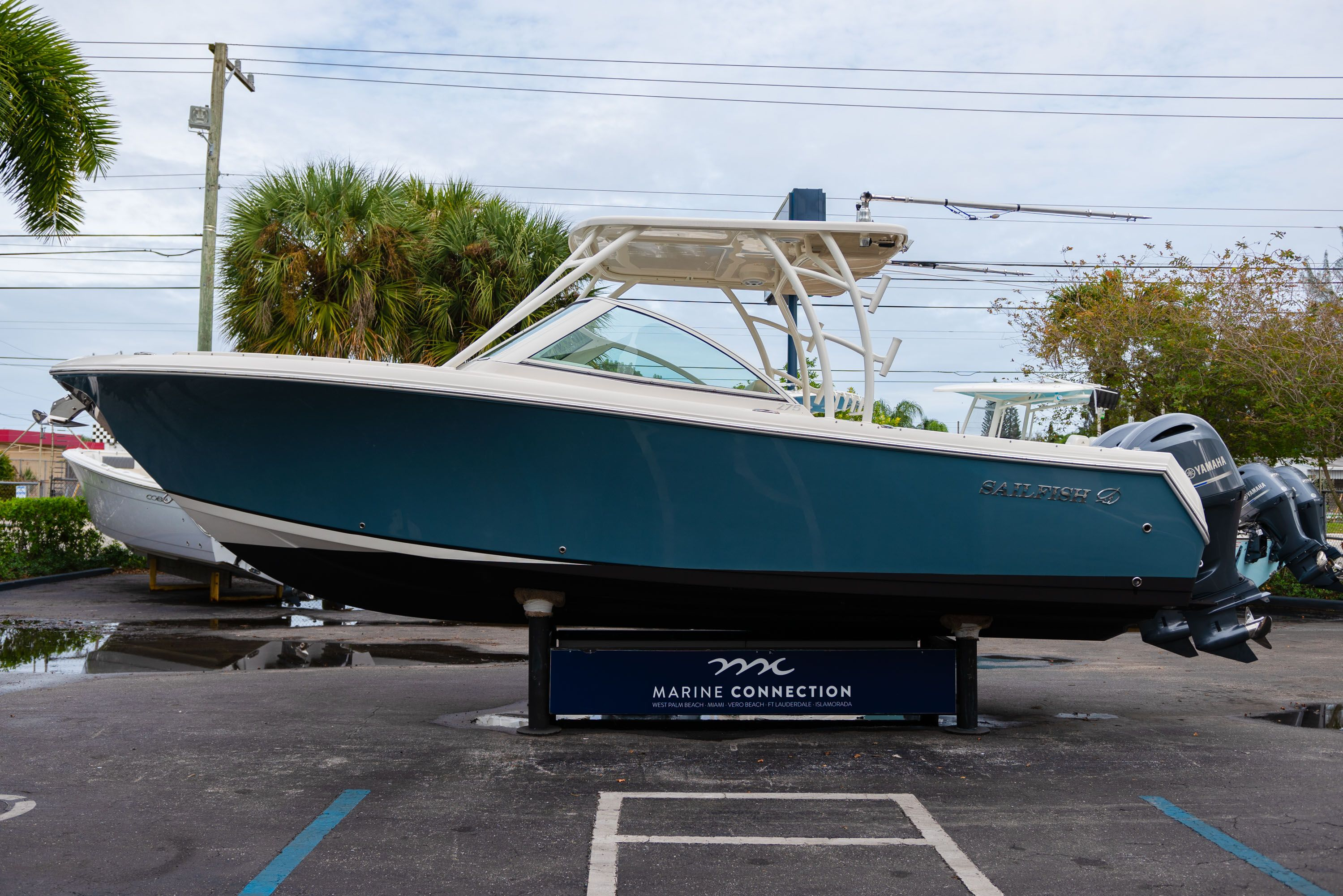 Thumbnail 4 for Used 2017 Sailfish 275 Dual Console boat for sale in West Palm Beach, FL