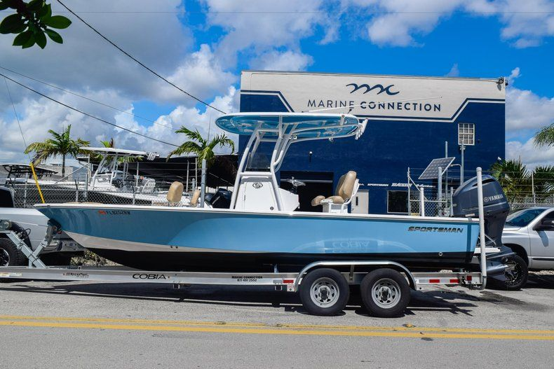 Thumbnail 4 for Used 2019 Sportsman Masters 247 Bay Boat boat for sale in Miami, FL