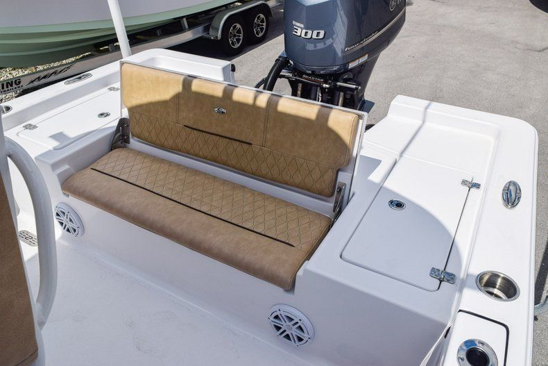 Thumbnail 14 for Used 2019 Sportsman Masters 247 Bay Boat boat for sale in Miami, FL