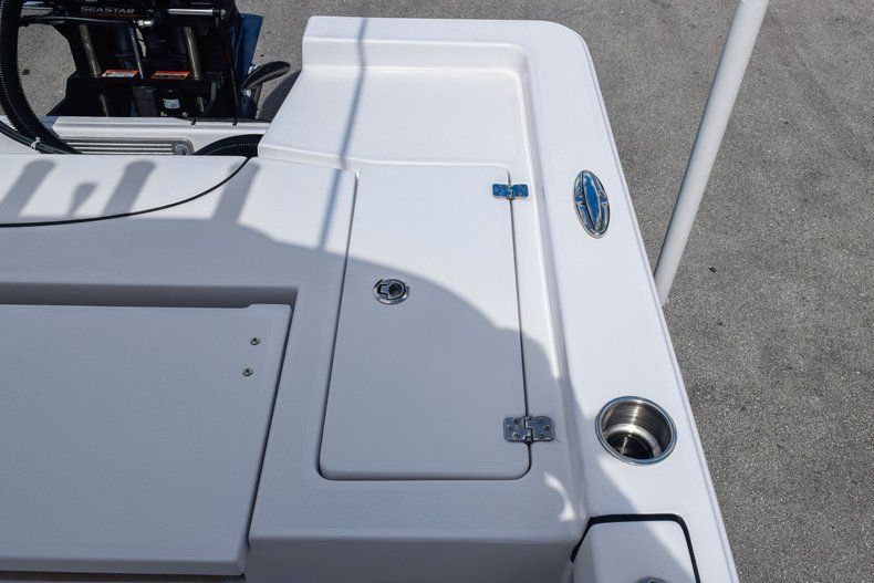 Thumbnail 11 for Used 2019 Sportsman Masters 247 Bay Boat boat for sale in Miami, FL
