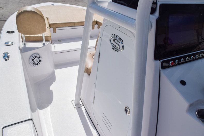 Thumbnail 32 for Used 2019 Sportsman Masters 247 Bay Boat boat for sale in Miami, FL