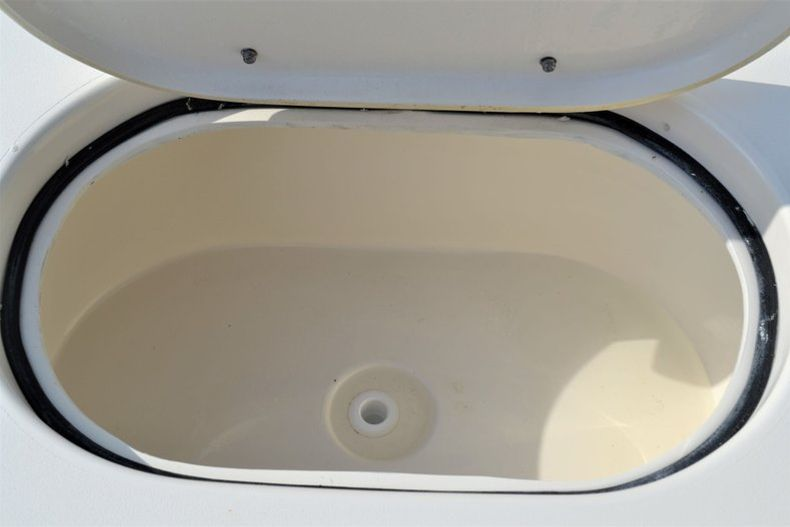 Thumbnail 20 for New 2020 Pathfinder 2400 TRS Bay Boat boat for sale in Vero Beach, FL