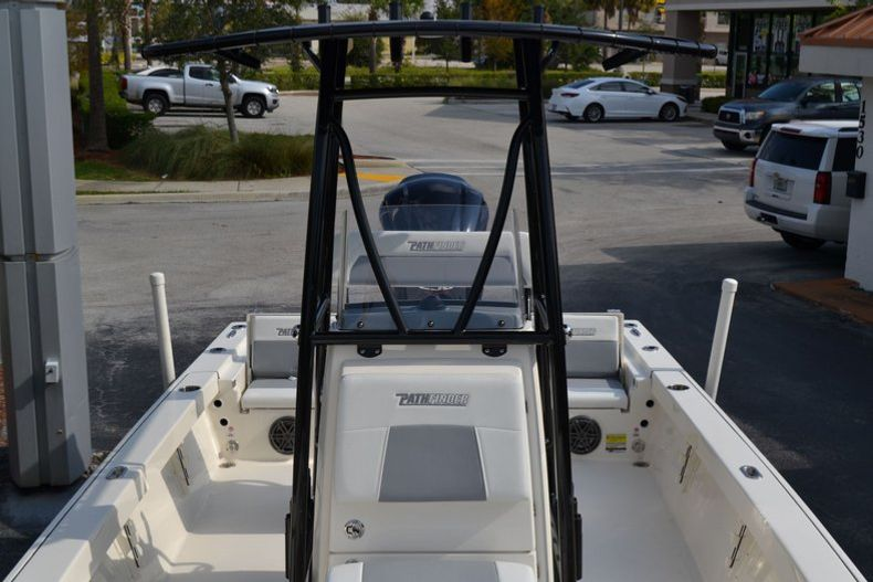 Thumbnail 17 for New 2020 Pathfinder 2400 TRS Bay Boat boat for sale in Vero Beach, FL