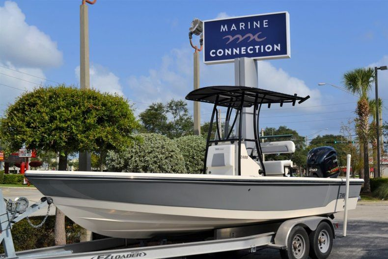 Thumbnail 1 for New 2020 Pathfinder 2400 TRS Bay Boat boat for sale in Vero Beach, FL
