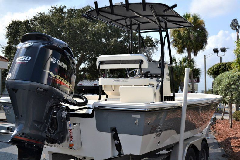 Thumbnail 6 for New 2020 Pathfinder 2400 TRS Bay Boat boat for sale in Vero Beach, FL