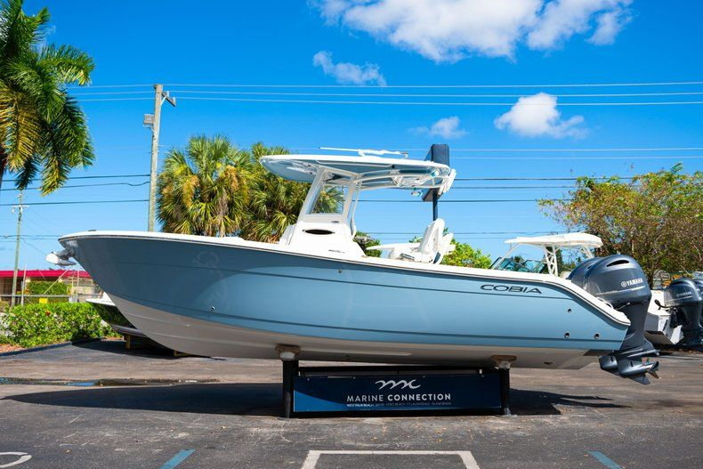 Thumbnail 4 for New 2020 Cobia 262 CC Center Console boat for sale in West Palm Beach, FL