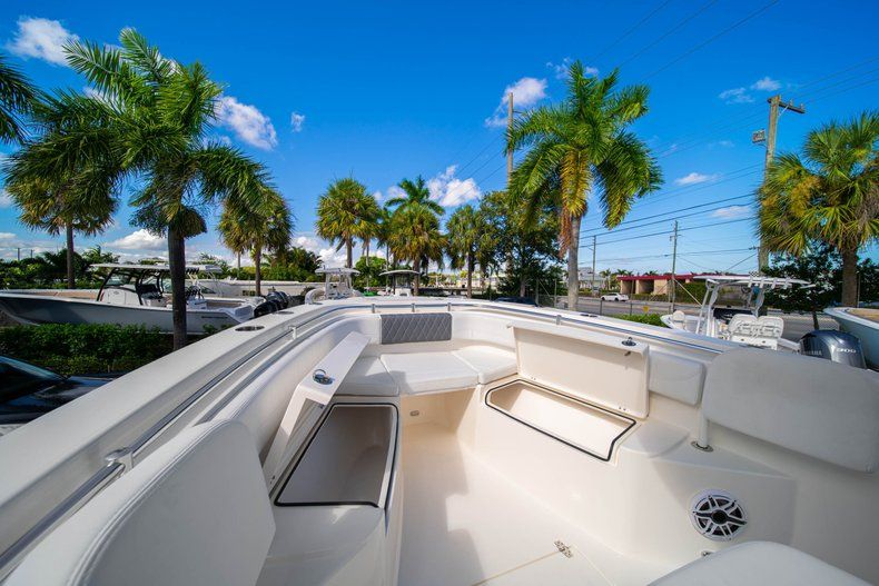 Image 33 for 2020 Cobia 262 CC Center Console in West Palm Beach, FL