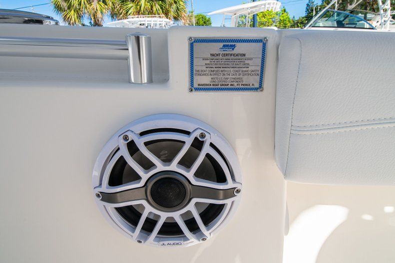 Thumbnail 29 for New 2020 Cobia 262 CC Center Console boat for sale in West Palm Beach, FL