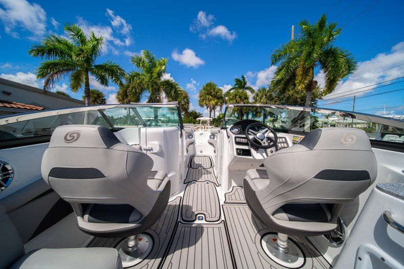 Thumbnail 9 for New 2020 Hurricane SD 2400 OB boat for sale in West Palm Beach, FL