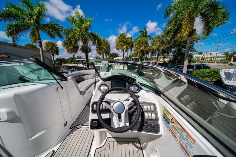 Thumbnail 14 for New 2020 Hurricane SD 2400 OB boat for sale in West Palm Beach, FL
