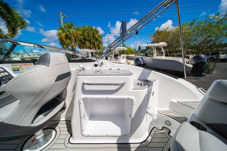 Thumbnail 12 for New 2020 Hurricane SD 2400 OB boat for sale in West Palm Beach, FL