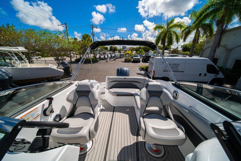 Thumbnail 25 for New 2020 Hurricane SD 2400 OB boat for sale in West Palm Beach, FL