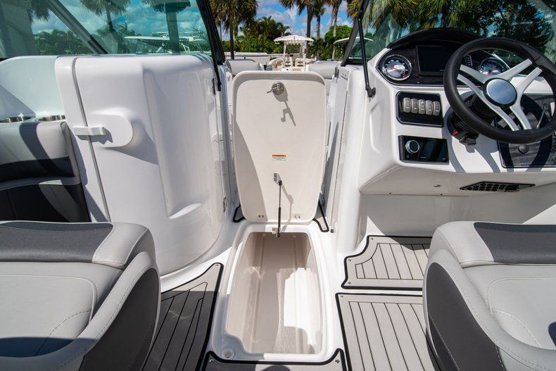 Thumbnail 22 for New 2020 Hurricane SD 2400 OB boat for sale in West Palm Beach, FL