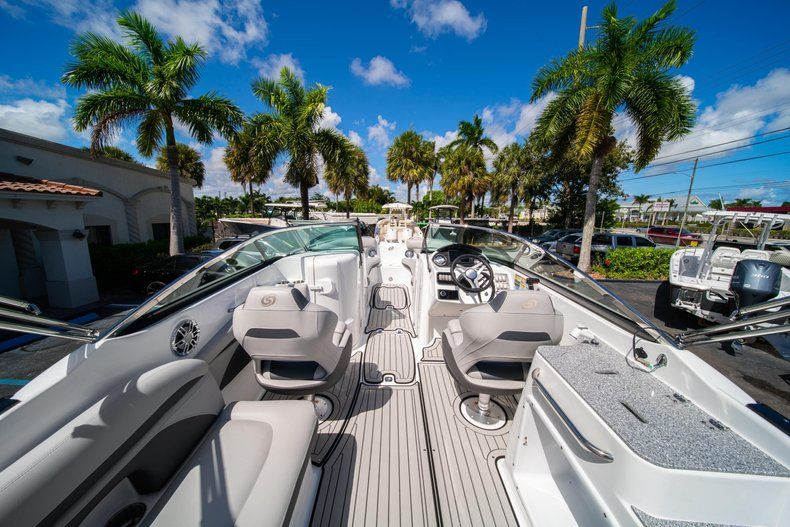 Thumbnail 8 for New 2020 Hurricane SD 2400 OB boat for sale in West Palm Beach, FL
